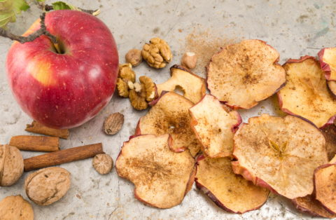 Cinnamon Baked Healthy Apple Chips