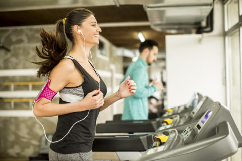 Why Audio Treadmill Workouts Can Help You Lose Your Gut