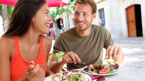 Keep Your Meal Plan Working While on Vacation